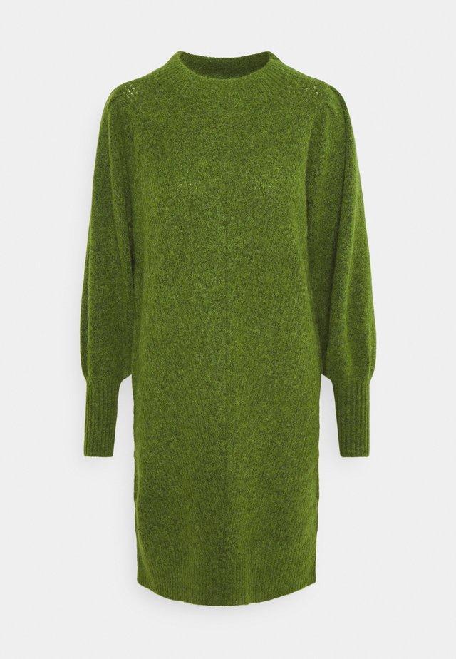 SLFLINNA KNIT DRESS NECK  - Stickad klänning - twist of lime