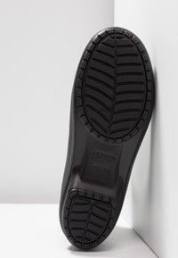 Crocs - FREESAIL CHELSEA - Wellies - black - 4