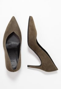Paco Gil - MINA - Classic heels - dehesa - 3