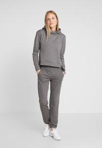 ONLY Play - ONPJULITTA LOOSE PANTS - Pantalones deportivos - medium grey melange - 1
