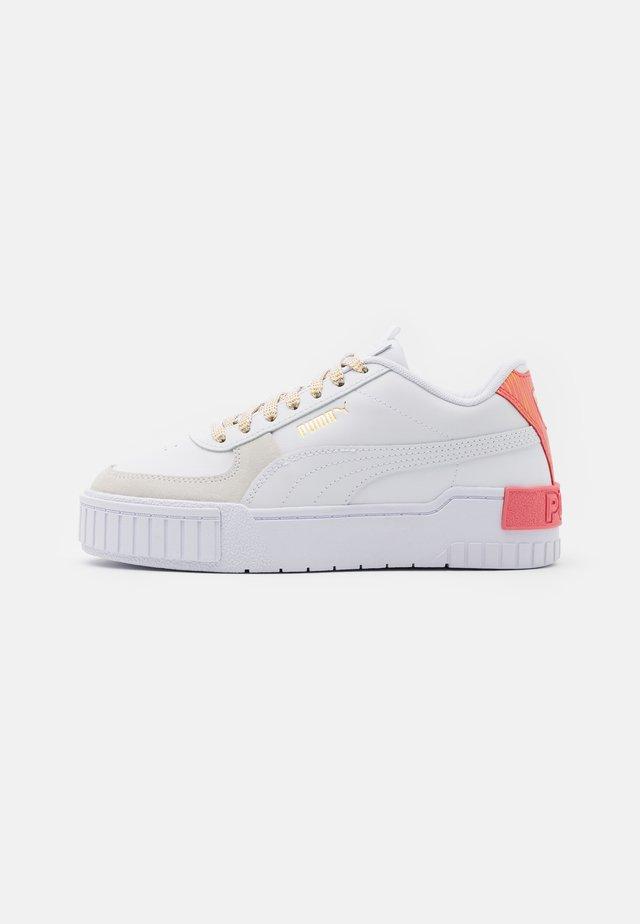 CALI SPORT FIREWORKS JR - Sneakers basse - white/sun kissed coral