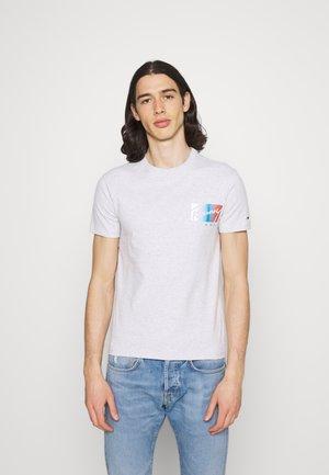 SCRIPT BOX LOGO TEE - Print T-shirt - grey