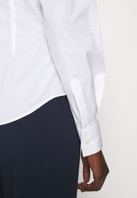 Vivienne Westwood - NEW KRALL - Košile - white - 4