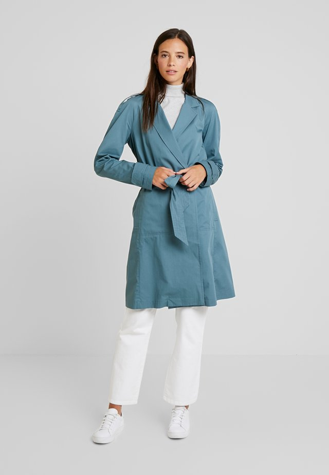 STITCH DETAILED - Trench - grey blue