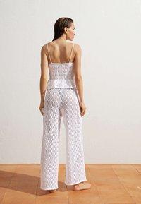 OYSHO - Trousers - white - 2