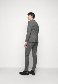 HUGO - ARTI HESTEN - Suit - medium grey - 3