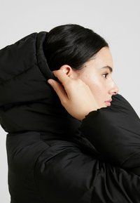 Calvin Klein Jeans - QUILTED PUFFER JACKET - Winter jacket - black - 3