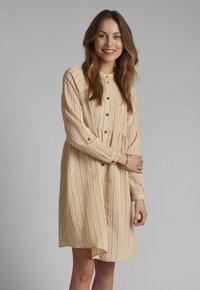 Nümph - Shirt dress - tannin - 0