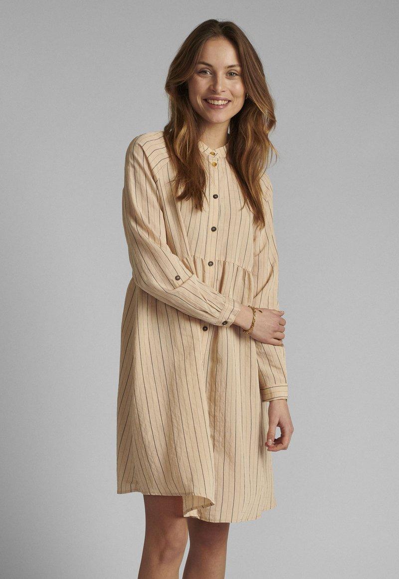Nümph - Shirt dress - tannin
