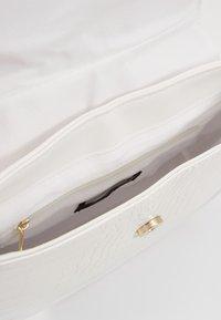 New Look - SHARNI SADDLE BAG - Handbag - white - 4