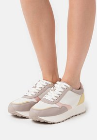 PARFOIS - Trainers - pastel colors - 0