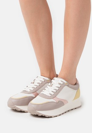 Sneakers - pastel colors