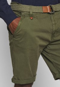 INDICODE JEANS - CONER - Shorts - army - 5