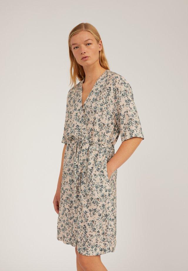 RAUHAA GREENHOUSE - Korte jurk - beige