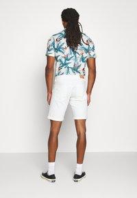 Esprit - Shorts - off-white - 2