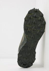 Salomon - SUPERCROSS BLAST - Trail running shoes - olive night/vanilla/ebony - 4