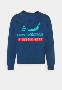 New Balance - ESSENTIALS FIELD DAY HOODIE - Sweatshirt - captain blue - 1