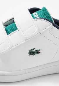 Lacoste - CARNABY EVO - Baby shoes - white/green - 2