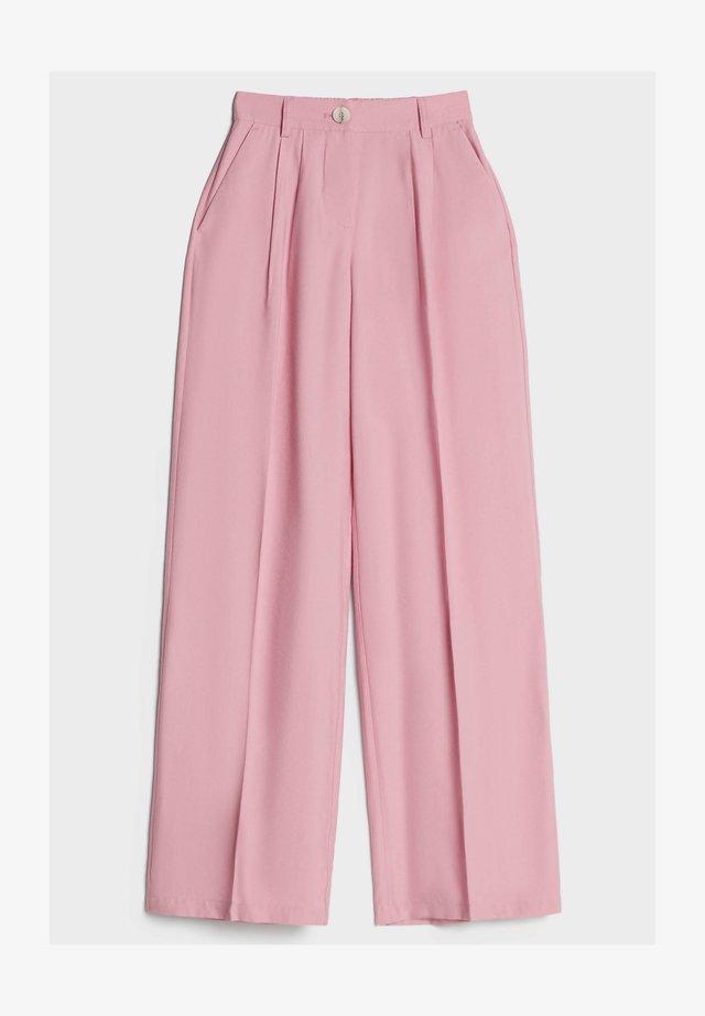 MIT WEITEM BEIN - Bukser - pink