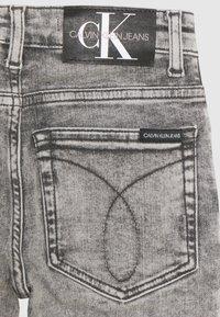 Calvin Klein Jeans - SUPER SKINNY LIGHT WASH - Jeans Skinny Fit - denim - 2