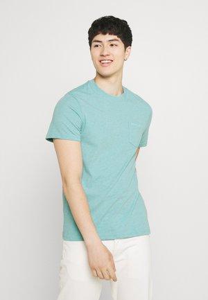 SMALL LOGO POCKET TEE - T-shirt - bas - blue