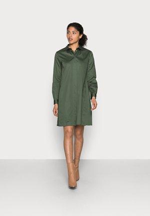 Sukienka koszulowa - dunkelgrün
