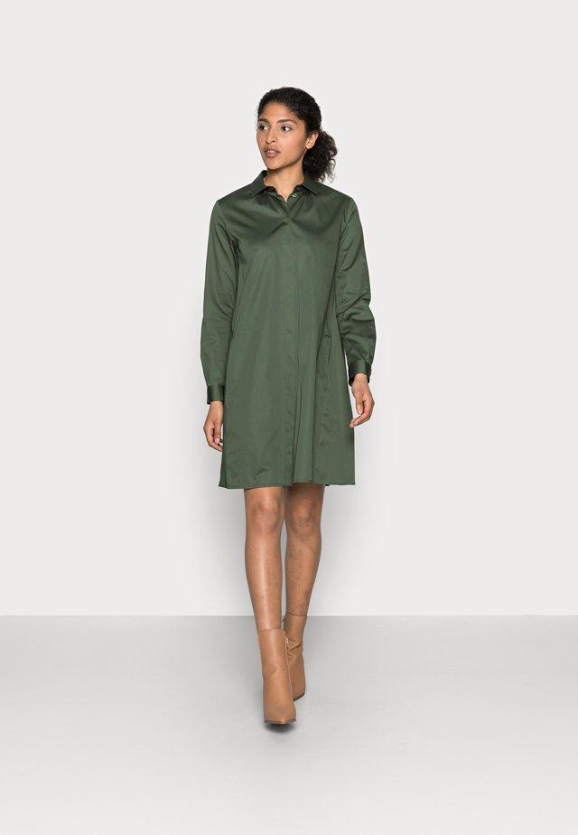 Košilové šaty - dunkelgrün