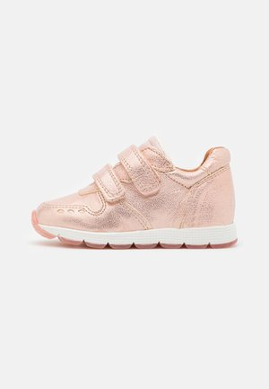 LUKA - Zapatillas - rose gold