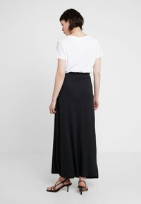 Zalando Essentials - Maxi skirt - black - 2