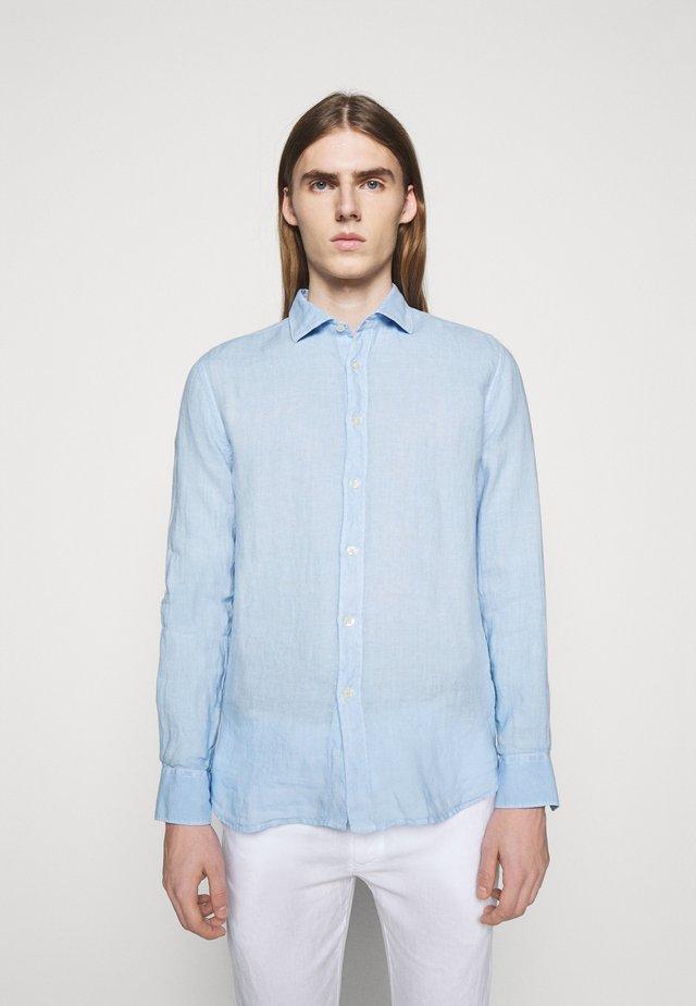 SLIM FIT - Camicia - celeste