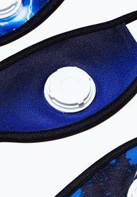 Hype - KIDS FACE MASK SET - Stoffen mondkapje - blue/black - 2