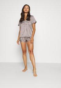 LingaDore - TOP WITH SHORTS SET - Pyjamas - white/grey - 1