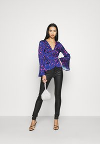 Never Fully Dressed - SPLICE FLORAL WRAP TOP - Blouse - multi - 1