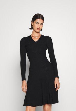 FASHION DRESS - Pletené šaty - black