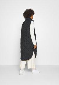 Freequent - OLGA - Waistcoat - black - 2