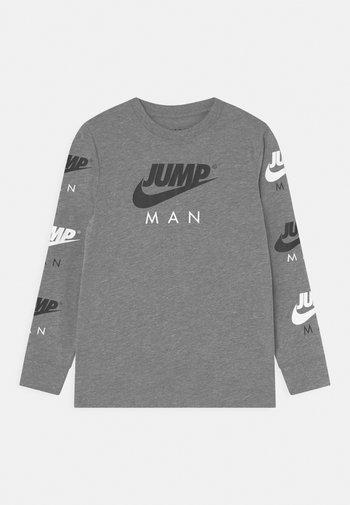 JUMPMAN TRIPLE THREAT - Maglietta a manica lunga - carbon heather