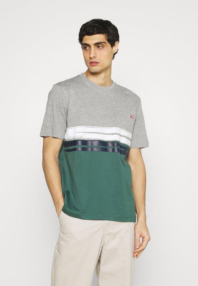 ALEX - Camiseta estampada - midgrey melange