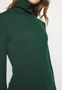ONLY - ONLJOANNA ROLLNECK  - Long sleeved top - pine grove - 5