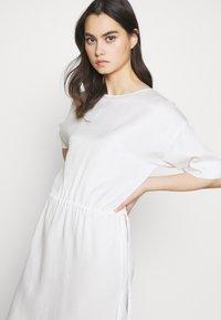 DRYKORN - TAMASHA - Denní šaty - ecru - 4