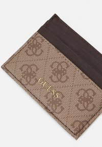 Guess - VEZZOLA CARD CASE UNISEX - Wallet - brown - 4