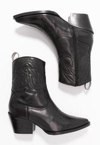 Bronx - JUKESON - Cowboy/biker ankle boot - black - 3