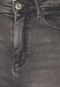 ONLY - ONLPAOLA LIFE - Denim shorts - medium grey - 2