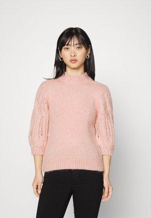 ONLSUSSIE HIGHN PULL PETIT  - Stickad tröja - silver pink