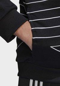 adidas Originals - BIG TREFOIL OUTLINE TRACK TOP - Training jacket - black - 6
