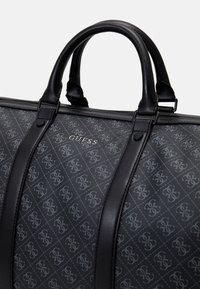 Guess - VEZZOLA UNISEX - Weekend bag - black - 3