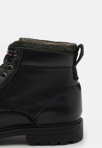 Burton Menswear London - POWELL - Lace-up ankle boots - black - 5