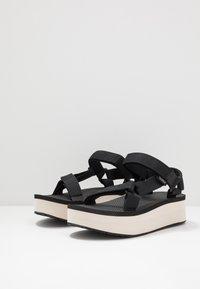 Teva - FLATFORM UNIVERSAL WOMENS - Chodecké sandály - black/tan - 2
