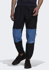 adidas Originals - Pantaloni sportivi - black/blue - 0