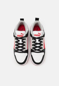 Puma - REBOUND LAYUP UNISEX - Sneakers - white/high risk red/black/gray violet - 3