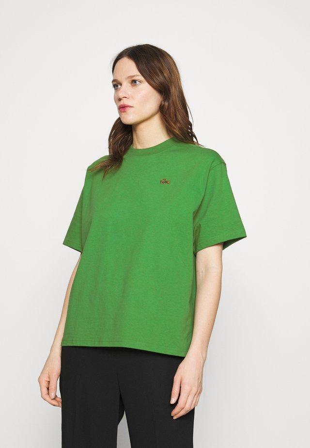 T-shirt print - chervil